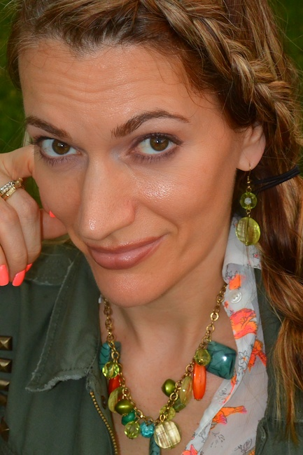 Pic 2- Diamondleone.com-Orange and green statement necklace