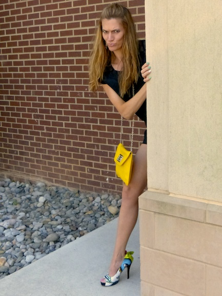 Pic 4- Diamondleone.com-Yellow cross body purse