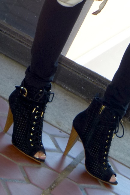 Pic 6- Diamondleone.com -Forever 21 open toe booties