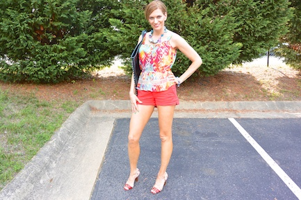 Pic 3- Diamondleone.com-How to pair red shorts
