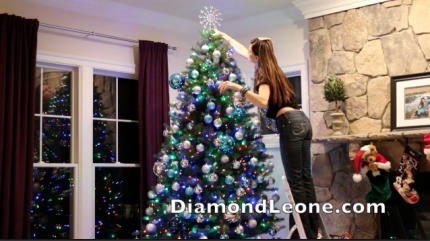 Video :: How To Decorate a Christmas Tree On A Budget